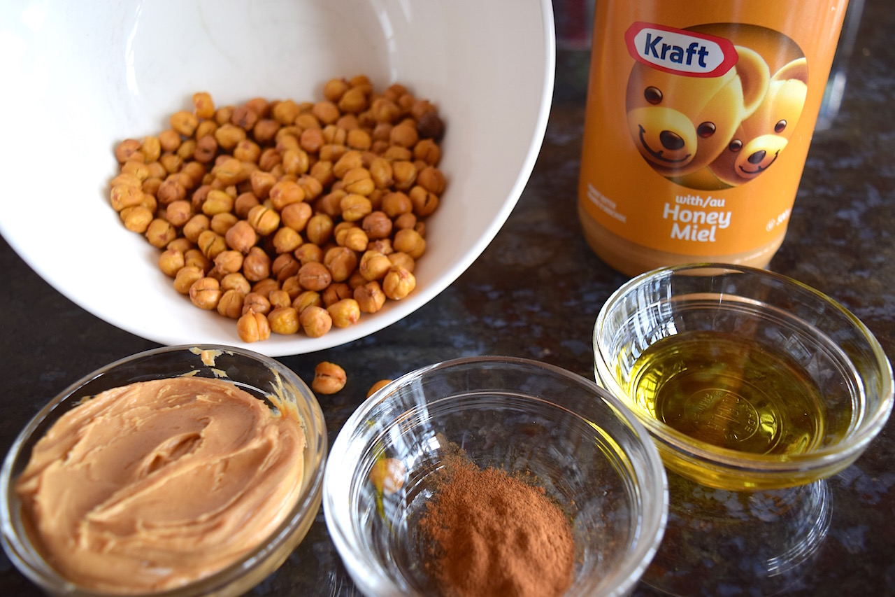 Roasted Chickpeas with ingredients